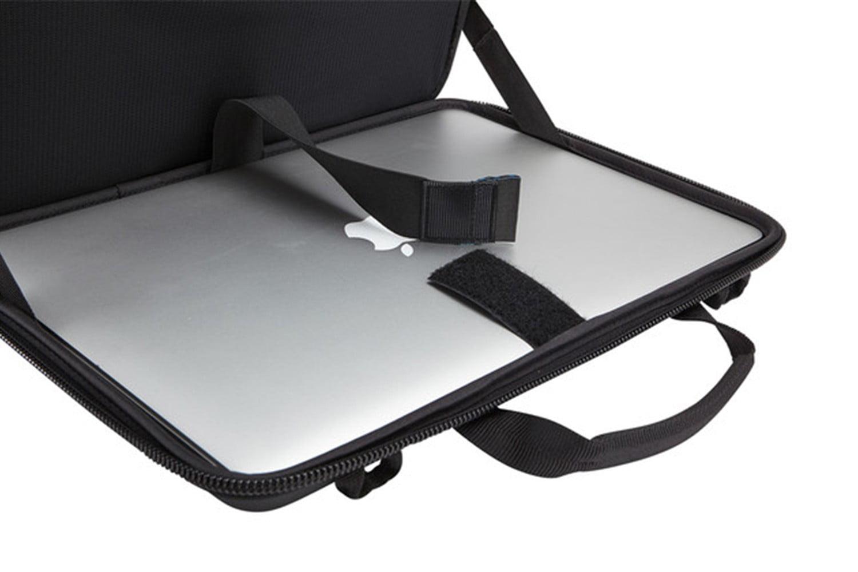 Geanta laptop Thule Gauntlet 3 0 Attache pentru 15 MacBook Pro 8