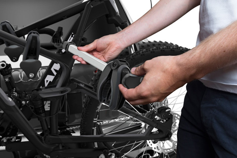 Suport biciclete Thule EasyFold XT 3 cu prindere pe carligul de remorcare pentru 3 biciclete 6